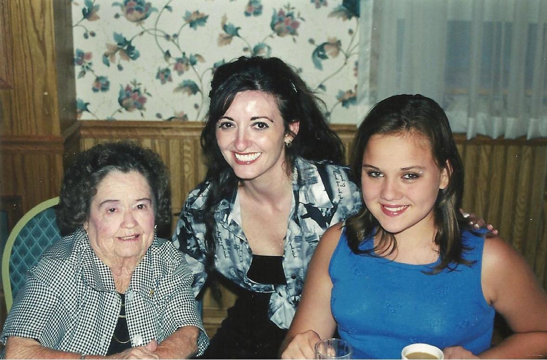 Martha Stewart (actress),Karen Sheperd Adult picture Kelli Garner,Pearl Eaton