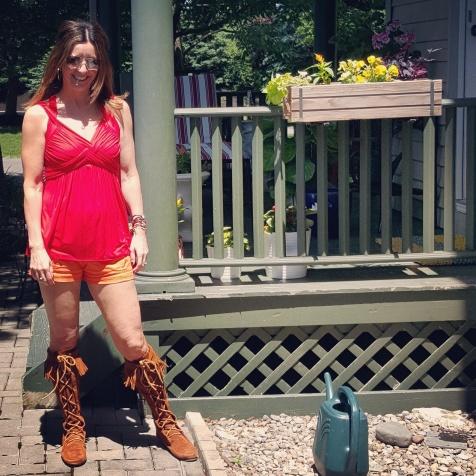 Marc Jacobs sunglasses, Bailey 44 top, Trina Turk shorts, Minnetonka boots